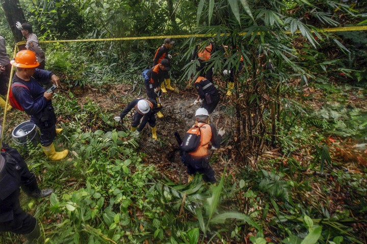 Polisi Tertibkan Tambang Emas Ilegal Pongkor