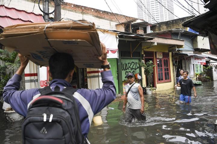 Banjir Genangi Rumah Warga Kebayoran Baru