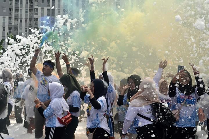 Kemeriahan Indonesia Bubble Run di Bekasi