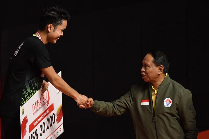 Kalahkan Antonsen, Ginting Sabet Juara Indonesia Masters