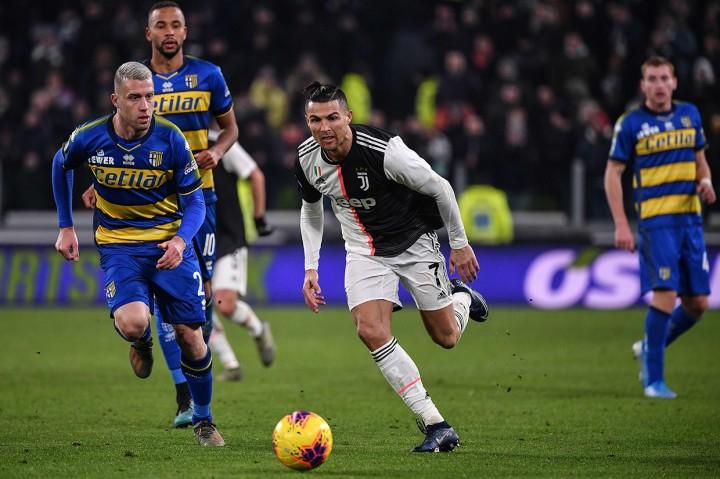 Brace Ronaldo Bawa Juventus Menang Atas Parma