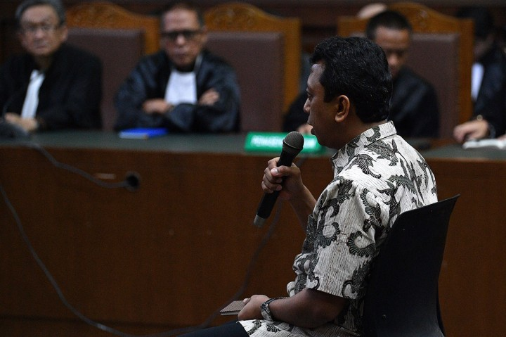 Romahurmuziy Divonis 2 Tahun Penjara