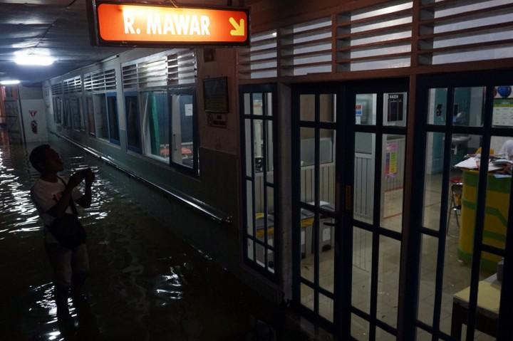 Banjir Landa Pekalongan, Pasien RSUD Dipindahkan