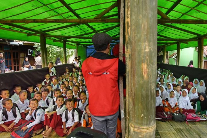 Kondisi Sekolah Darurat di Lebak Banten