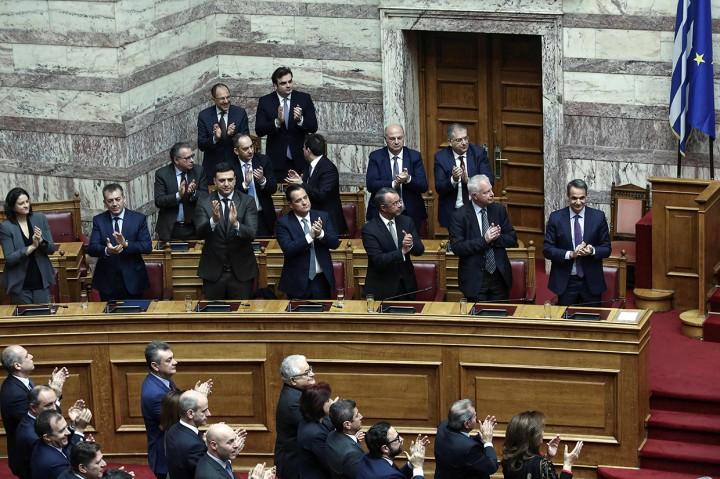 Ekaterini Sakellaropoulou Terpilih Jadi Presiden Wanita Pertama