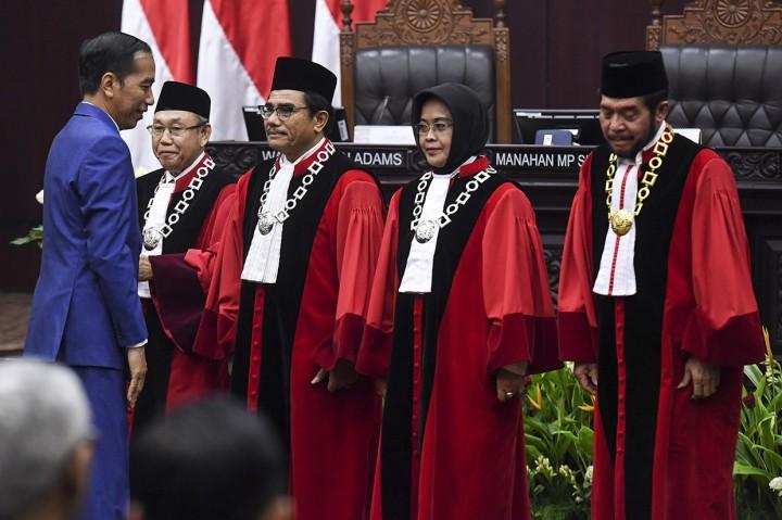 Jokowi Hadiri Sidang Pleno Laporan Tahunan MK
