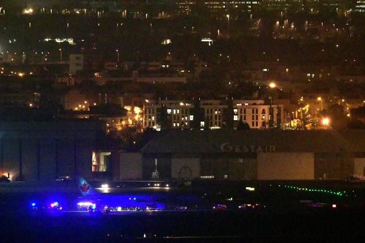 Pesawat Air Canada Mendarat Darurat di Madrid