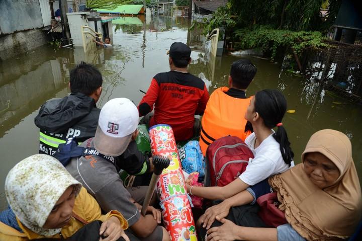 Perumahan Periuk Damai Tangerang Terendam Banjir