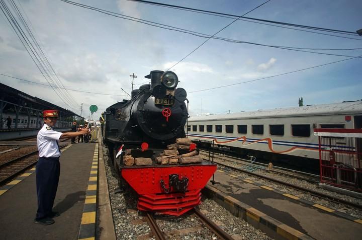 Selesai Direstorasi, Kereta Uap D1410 Dikirim ke Solo