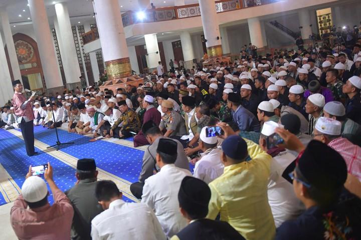 Mahfud MD Hadiri Dzikir dan Doa Bersama di Natuna