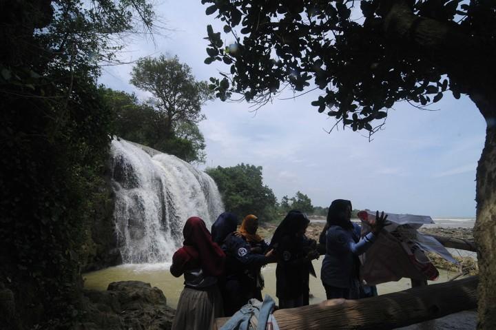 Berkunjung ke Wisata Air Terjun Toroan Sampang