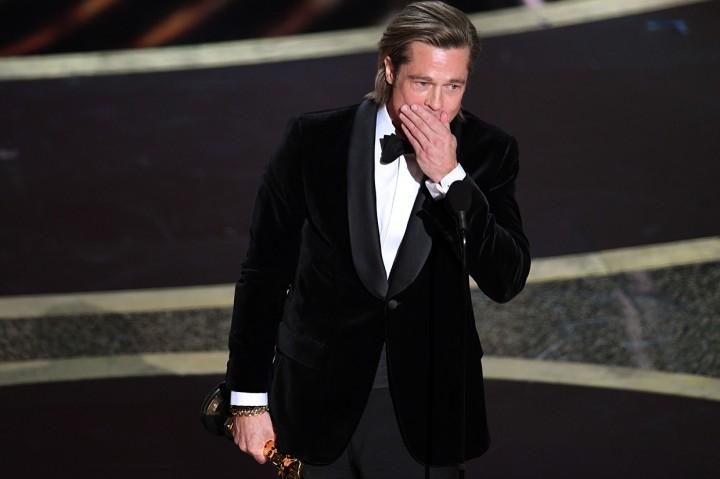 Brad Pitt Raih Best Supporting Actor di Oscar 2020