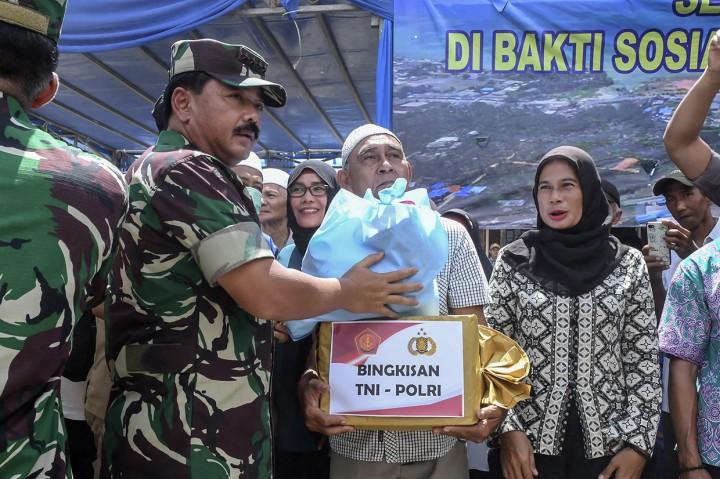 Panglima TNI-Kapolri Beri Apresiasi Warga Natuna