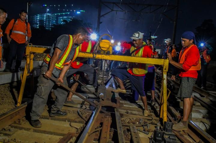 Pengerjaan Revitalisasi Wesel Stasiun Gambir dan Jakarta Kota