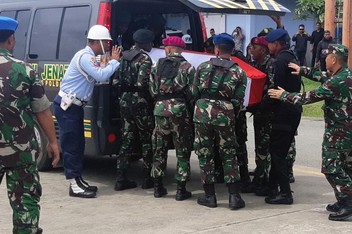 Panglima TNI-Kapolri Hadiri Pelepasan Jenazah Korban Heli Mi-17