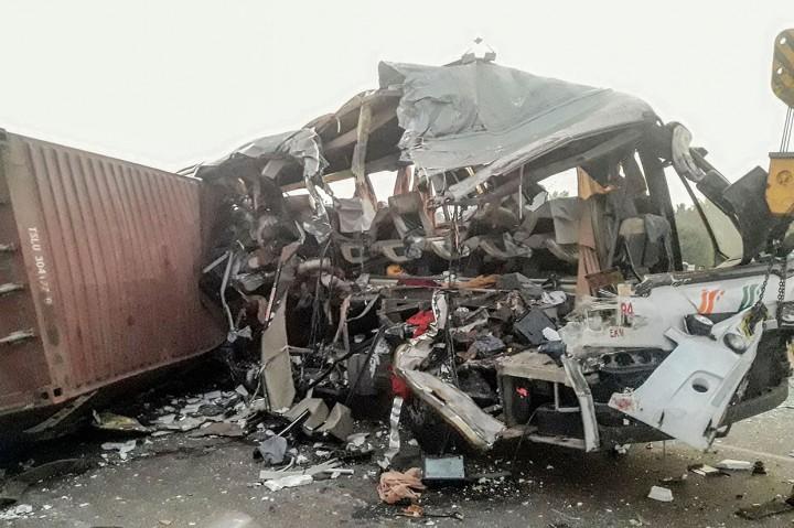 Tabrakan Bus dan Truk di India Tewaskan 19 Orang