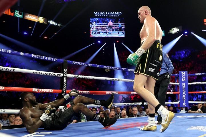Kalahkan Wilder, Tyson Fury Juara Kelas Berat WBC