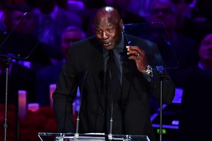 Kenang Kobe Bryant, Michael Jordan Berlinang Air Mata