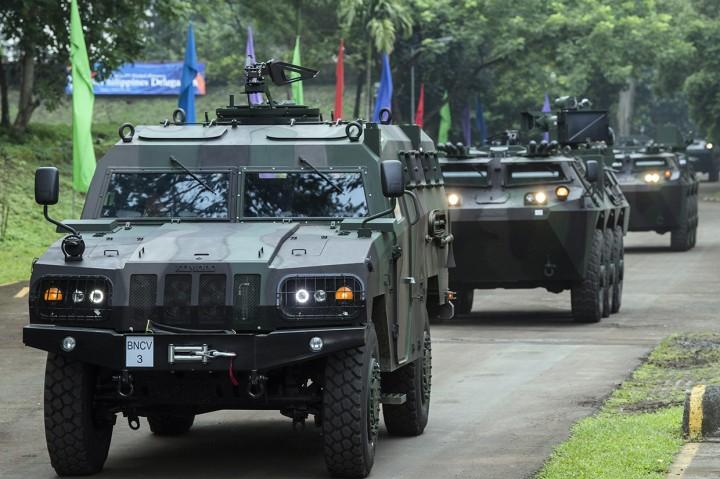 PT Pindad Pamerkan Alat Tempur ke Delegasi Filipina