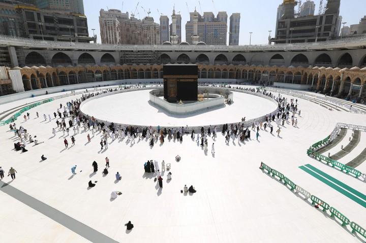 Masjidil Haram dan Masjid Nabawi Kembali Dibuka Pascasterilisasi