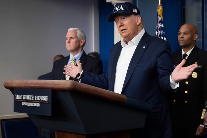 Donald Trump Negatif Korona