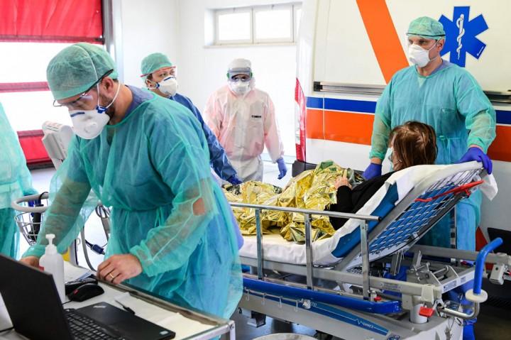 Korban Tewas akibat Covid-19 di Italia Capai Rekor Tertinggi