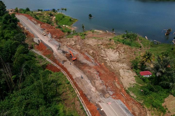 Jalan Lingkar Timur Jatigede Sumedang Ambles