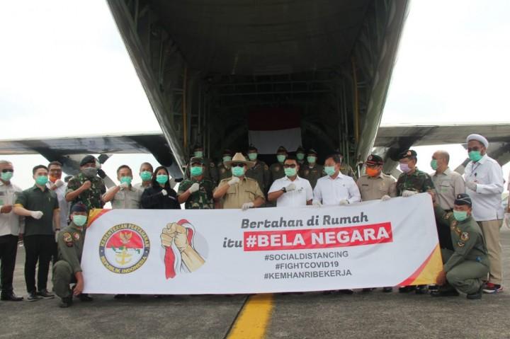 Prabowo Pimpin Penerimaan Alat Kesehatan dari Tiongkok
