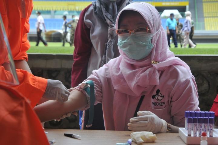 Tenaga Medis di Bekasi Mulai Lakukan Rapid Test Covid-19