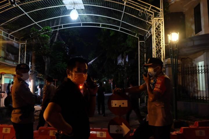 Jenazah Ibunda Jokowi Tiba di Rumah Duka