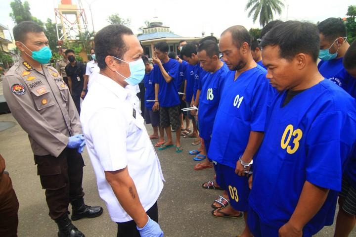 BNN Kalbar Musnahkan 12 Kg Sabu Asal Malaysia