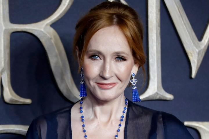 J.K. Rowling Sembuh dari Gejala Covid-19