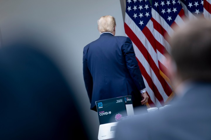 Berselisih dengan Wartawan, Trump Tiba-tiba Akhiri Konferensi