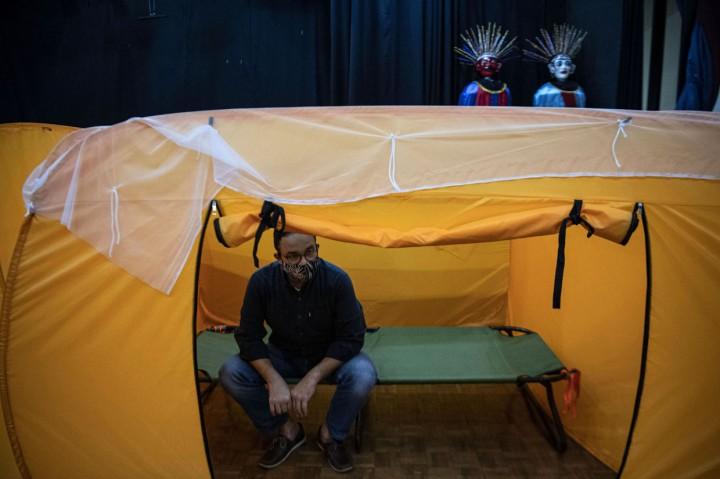 Anies Tinjau Tempat Isolasi Pasien Covid-19 di Tanah Abang