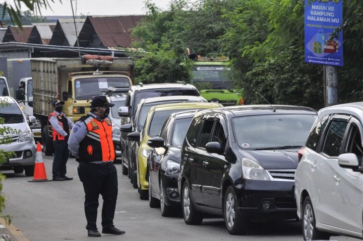 Kemacetan di Perbatasan Bekasi-Karawang