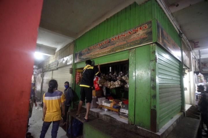 7 Pedagang Positif Korona, Pasar Cileungsi Bogor Ditutup