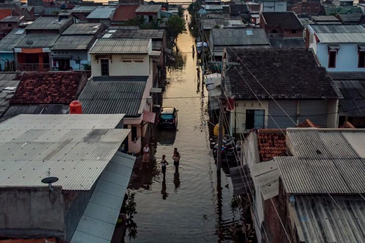 Banjir Rob Kembali Rendam Pekalongan dan Demak