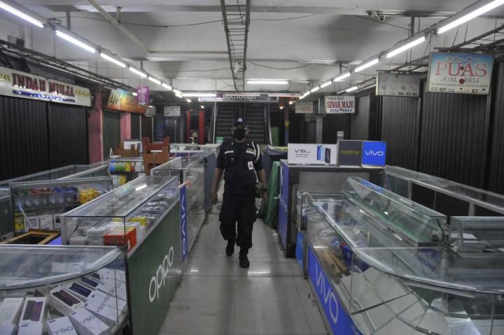 Pertokoan Pasar Perumnas Ditutup Sementara