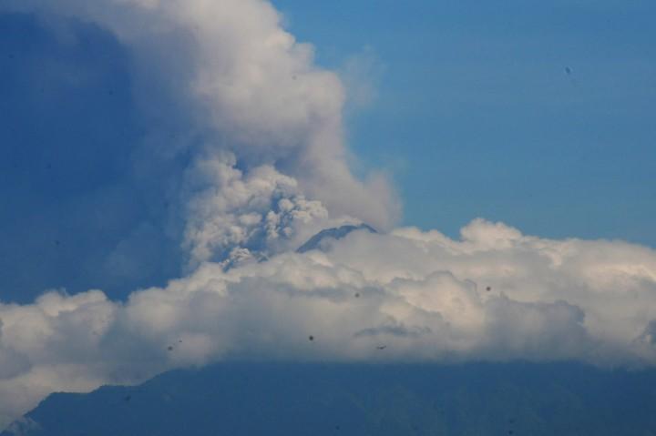 Gunung Merapi Erupsi, Tinggi Kolom Capai 6 Km