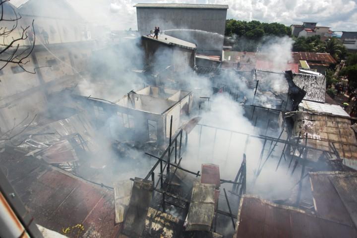 Kebakaran Landa Tiga Gedung di Palangkaraya