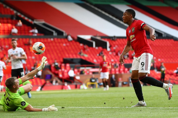 Martial Hattrick, MU Menang Tekuk Sheffield 3-0