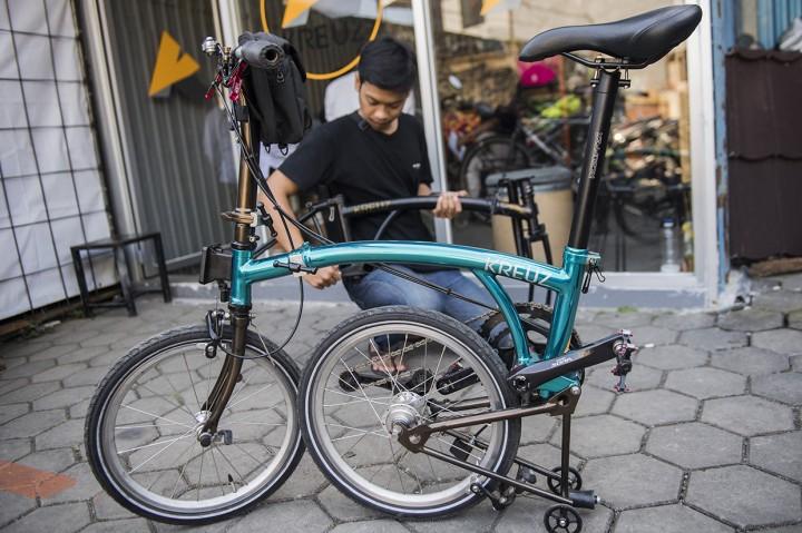Melihat Proses Pembuatan Kreuz, Sepeda 'Brompton' Made In Bandung