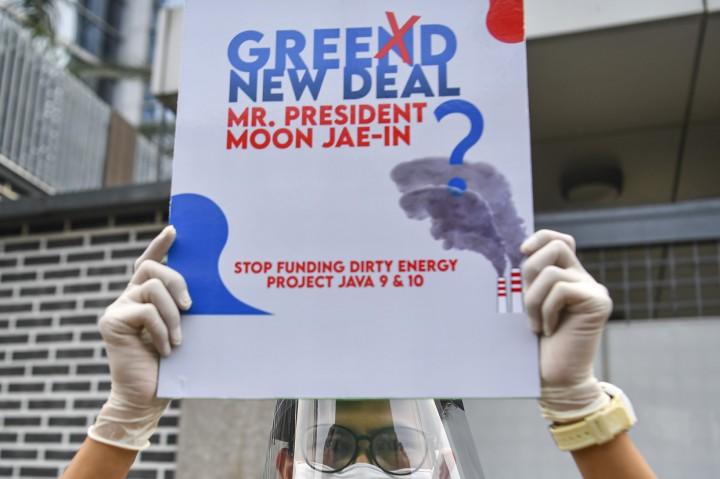 Aksi Tolak Pembangunan Mega Proyek PLTU Jawa 9 dan 10