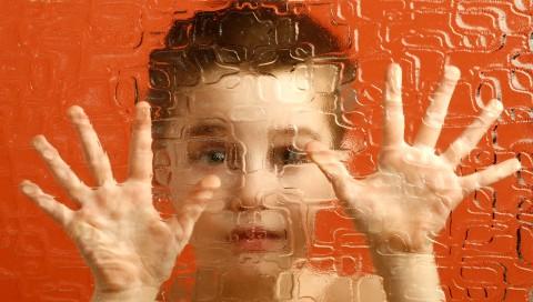Mengharukan, Seorang Anak Autis Berbicara Tentang Bully