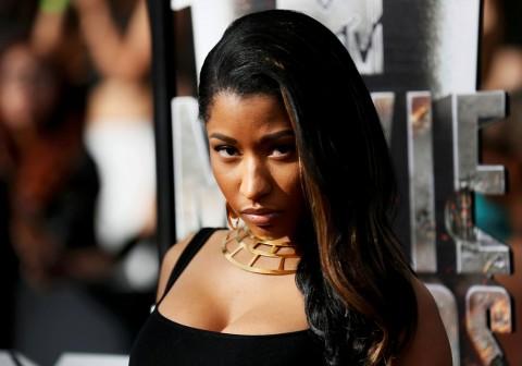 Nicki Minaj Topless di Klip Terbaru