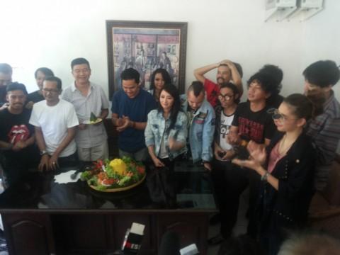 'Rock N Love' Film Perdana Band Kotak