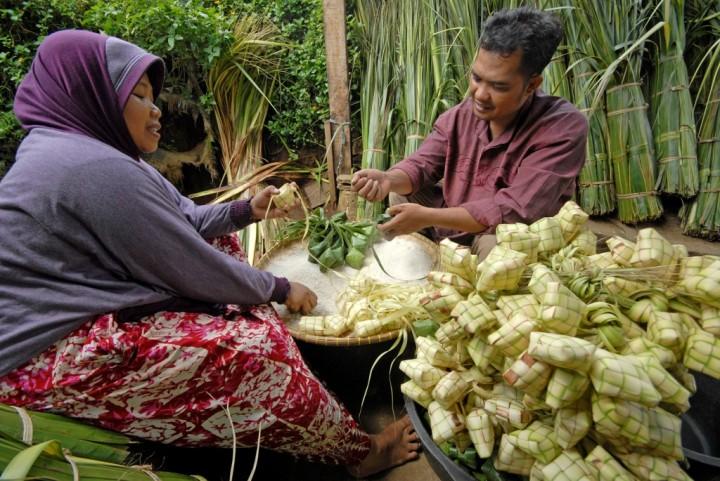 Tradisi Lebaran Ketupat Pasca Idul Fitri Di Kota Rembang