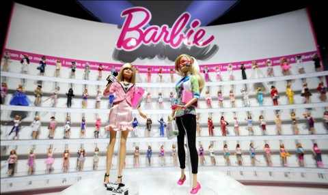 Mattel Rilis Koleksi Barbie Tiga Generasi