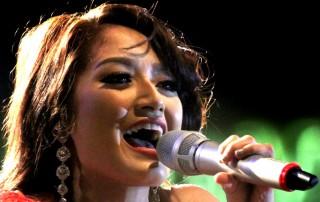Siti Badriah, si Penggila Jengkol yang Ingin Main Film
