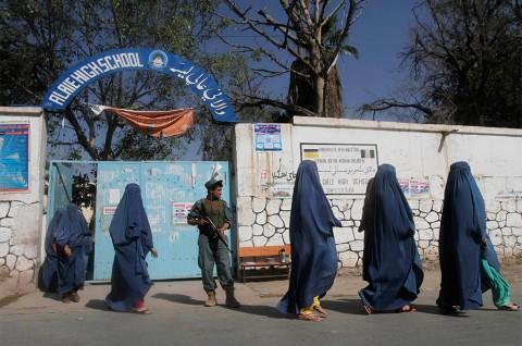 Perempuan Pengemudi di Afghanistan, Pemandangan Langka yang Menggelitik
